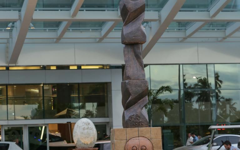 Obras de arte encantam quem circula no RioMar