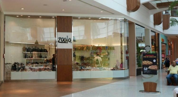 Zoolo inaugura loja com oferta de bolsas e calçados