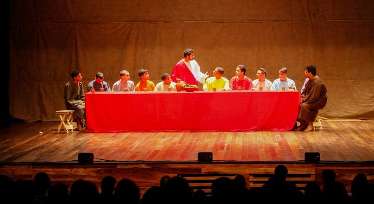 Paixão de Cristo do Pina se apresenta no Teatro RioMar