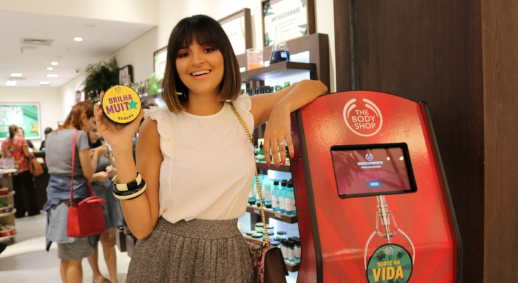 Rebeka Guerra marca presença na The Body Shop do RioMar