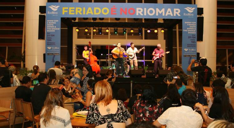 Feriado é No RioMar une gerações