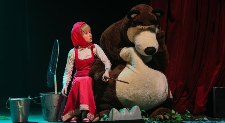 Espetáculo Masha e o Urso é programação divertida neste domingo