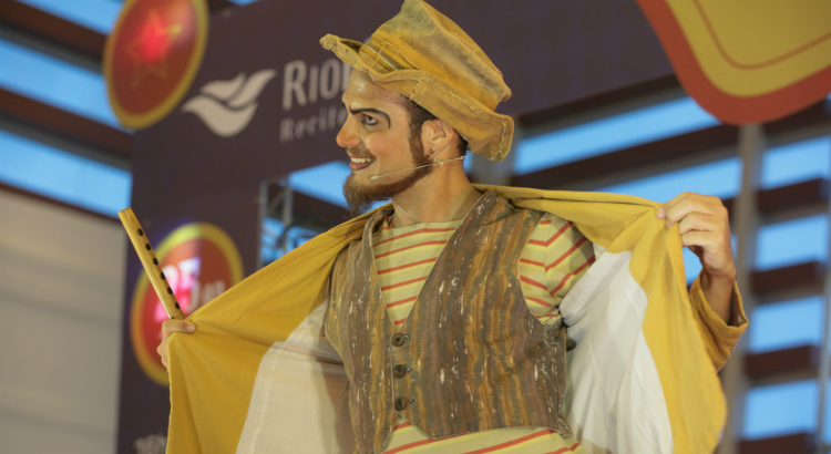 Domingo tem mágica e a magia do circo para as crianças no RioMar