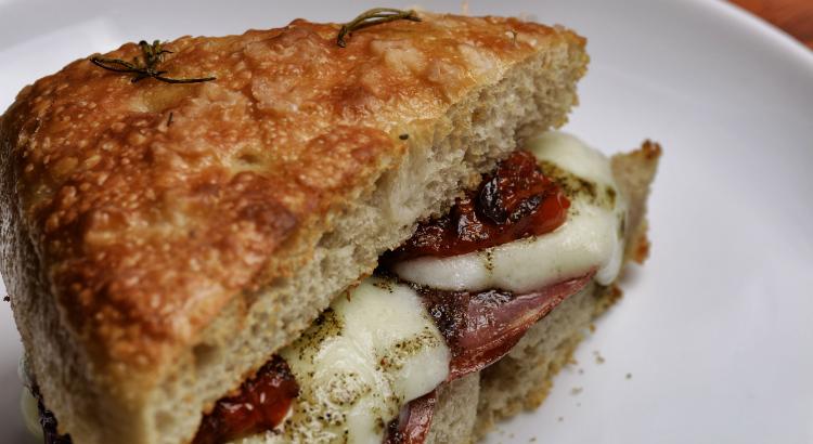 Novos sanduíches na Artisano