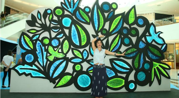 Painel inédito de Jona Lira a partir de recicláveis no RioMar