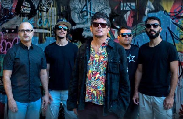 Mundo Livre S/A comemora 20 anos do álbum Carnaval na Obra