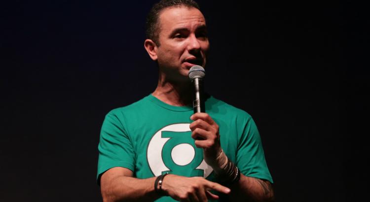 Vídeo: as risadas de Marco Luque no RioMar de Humor