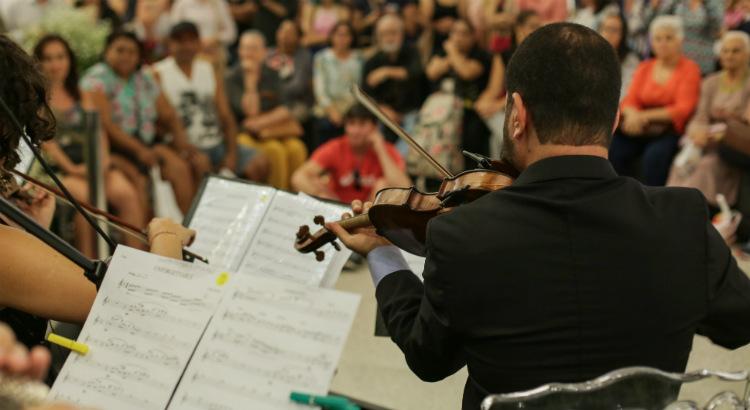 Concerto de Páscoa com Orquestra Matéria Prima no RioMar