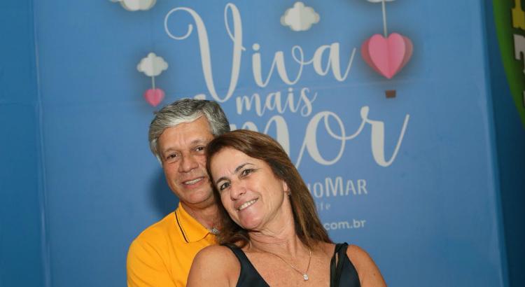 Paulo Ricardo encanta os namorados: confira as fotos