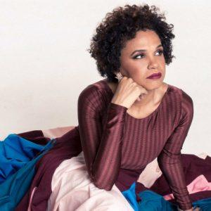 Teresa Cristina canta Noel Rosa no Teatro RioMar