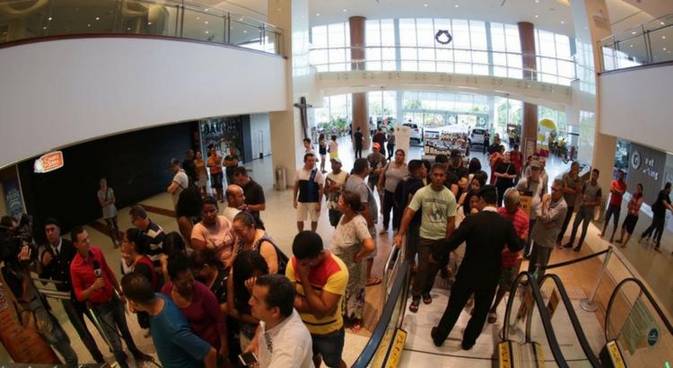 Público aproveita Black Friday com horário especial no RioMar