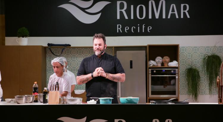 Jimmy Ogro ensina: cozinhar agrega e aproxima pessoas