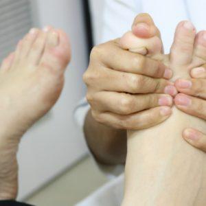 Reflexologia podal proporciona conforto físico e mental