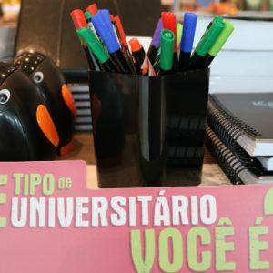 Livrarias investem em campanhas de volta às aulas para os universitários