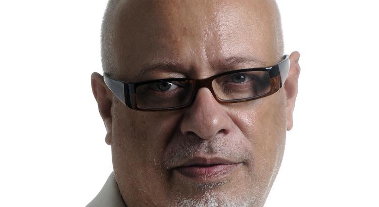 Luiz Felipe Pondé fala sobre obsessão pela felicidade em palestra no Recife
