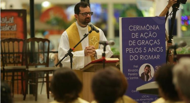 RioMar celebra cinco anos com bênção de frei Rinaldo