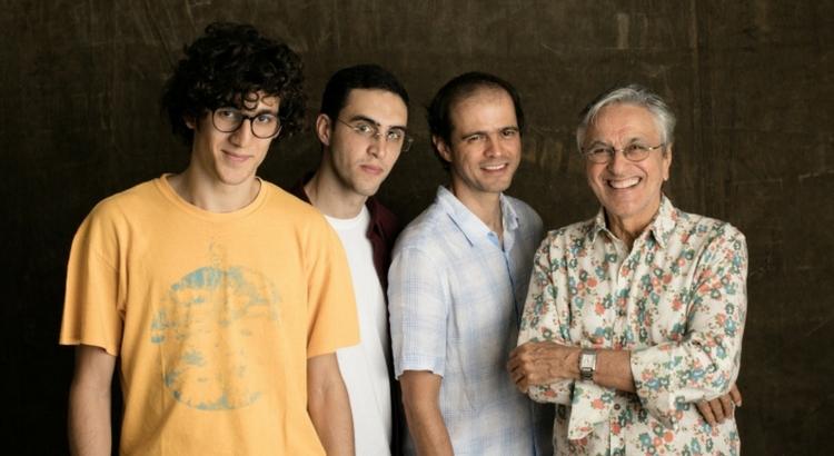 Caetano Veloso e filhos fazem show no Teatro RioMar