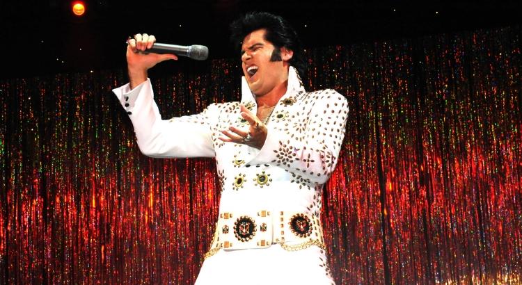Conheça Renato Carlini, mais conhecido como Elvis Presley
