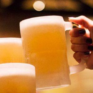 Outback com 50% de desconto nos chopes e outras bebidas nesta sexta
