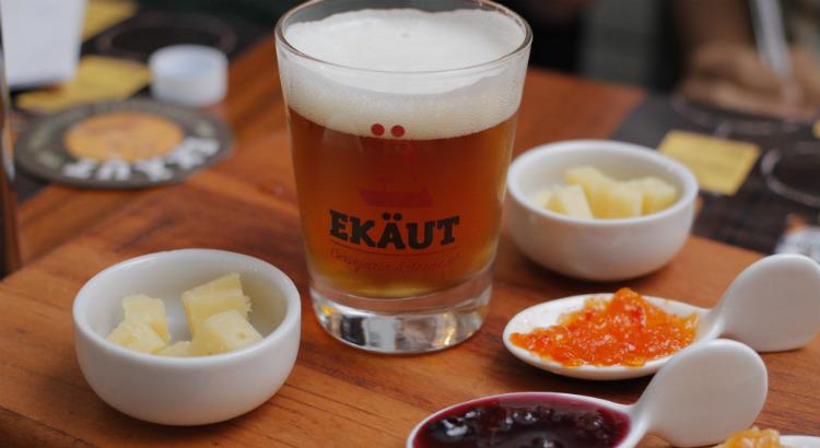 Cerveja artesanal harmoniza perfeitamente com queijos