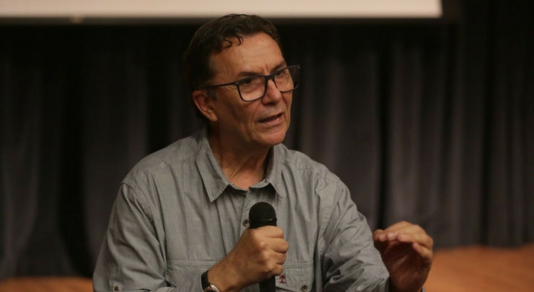No Dia Nacional do Café, Romoaldo de Souza faz palestra no Teatro Eva Herz