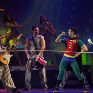"""Teatro, música e emoção em """"O Musical Mamonas"""""""