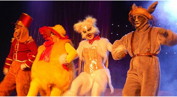 Espetáculo Os Saltimbancos no Teatro Eva Herz, na Livraria Cultura