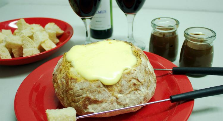 Fondue de queijo na Artisano para ser compartilhado