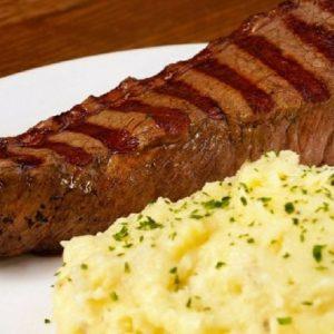 Outback Steakhouse lança promoção na hora do almoço