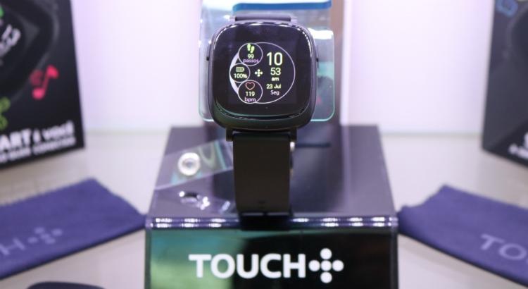 Tecnologia e estilo no novo smartwatch da Touch