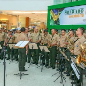 Música e atividades educativas e radiciais em Exposição do Exército