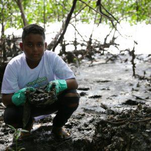Engajamento marca Jogando Limpo com o Mangue no RioMar