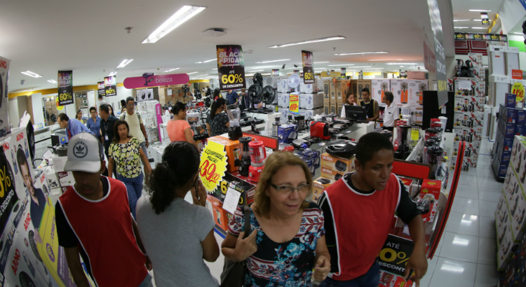 Vídeo: movimentação intensa nas primeiras horas da Black Friday