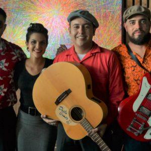 Feriado com música e horário estendido no RioMar