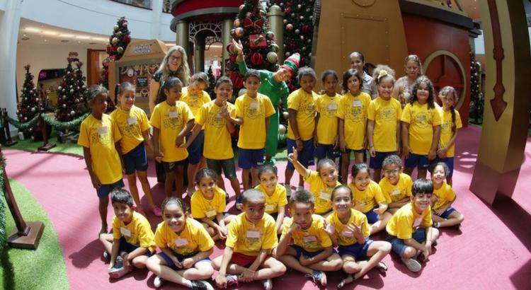 Crianças de instituições sociais visitam o RioMar