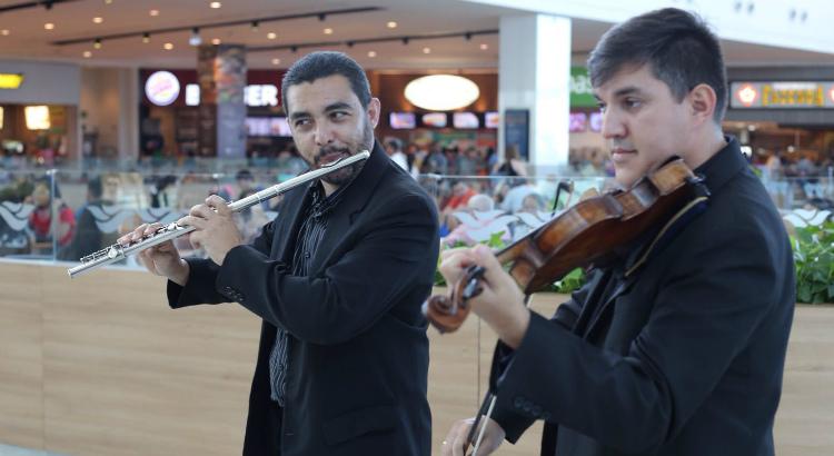 Dupla de músicos recebe os pais, neste domingo, no RioMar