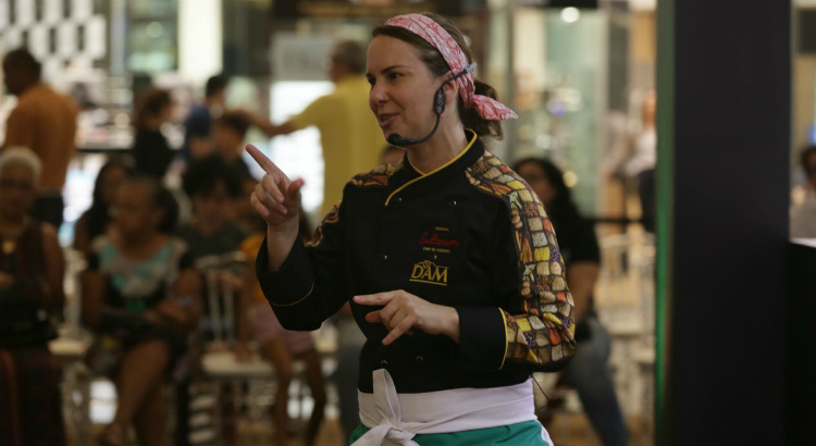 Luciana Sultanum inspira público no 2º dia do RioMar à Moda do Chef