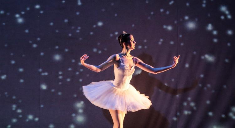 Ballet Clássico do Aria Social se apresenta no RioMar