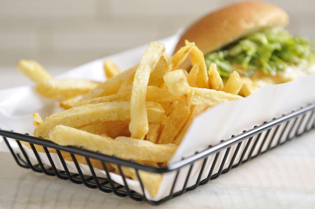 The Fifties lança promoção de hambúrguer com batata frita