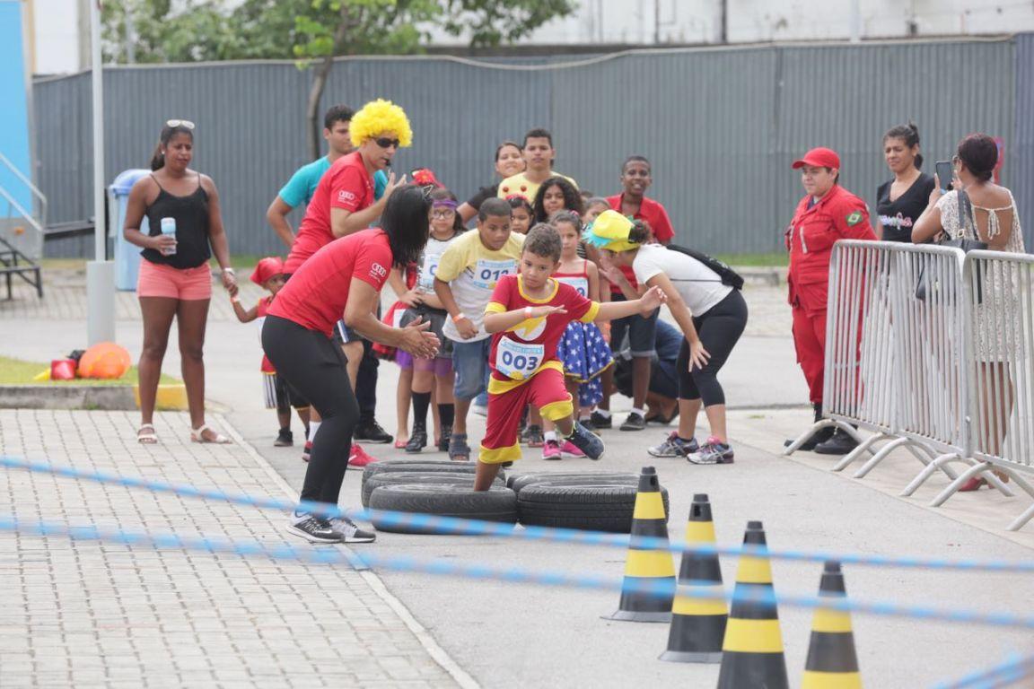 Corrida infantil solidária e banda Animakids encerram com grande animação o Festival das Crianças