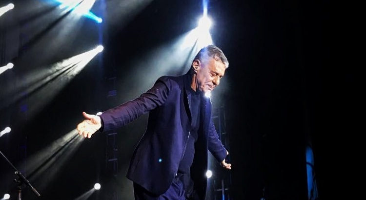 Grammy: 'Caravanas', de Chico Buarque, concorre ao prêmio