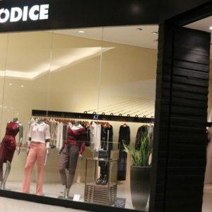 Iódice lança coleção inverno com coquetel em loja do RioMar