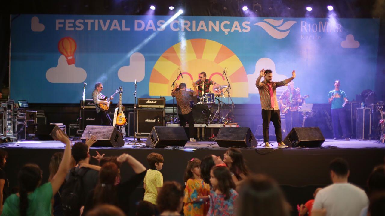 Beatles para as Crianças coloca a garotada para pular no primeiro dia do Festival das Crianças