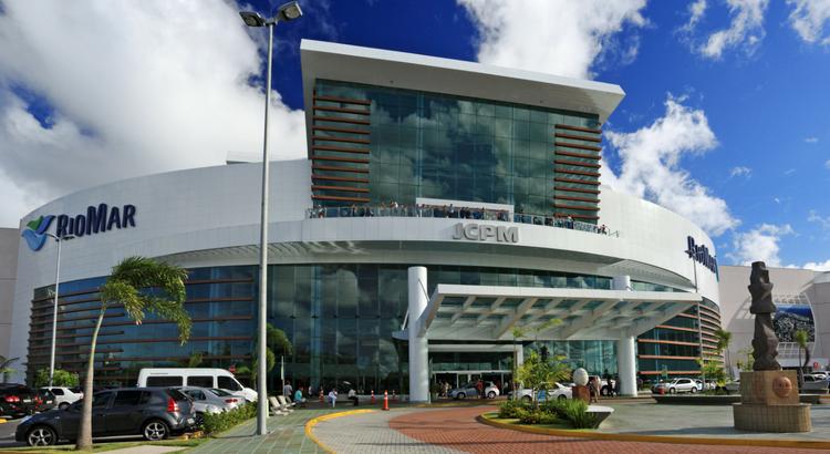 RioMar Recife já conta com ônibus para a Fenearte