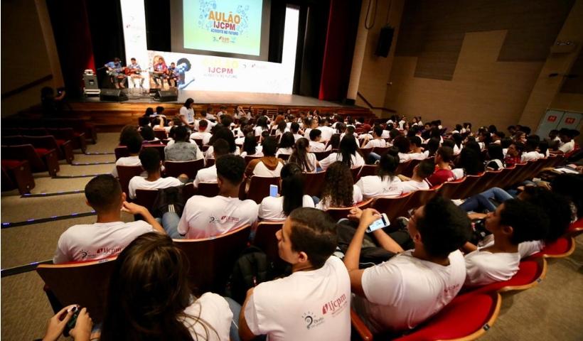 Aulão do IJCPM oferece aos jovens revisão de forma descontraída