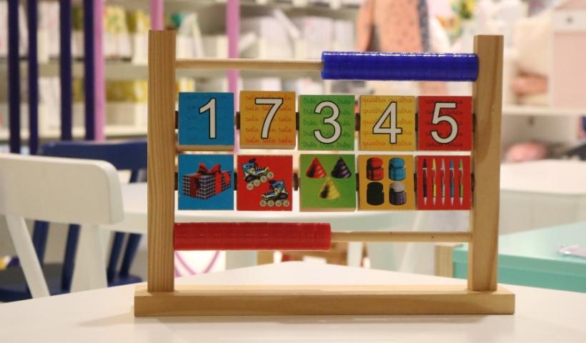 Brinquedos educativos para o mês das crianças