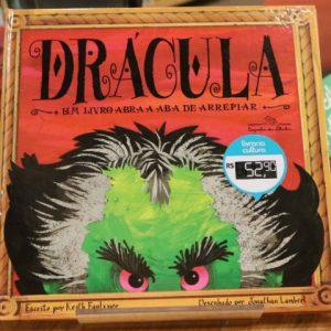 """Halloween combina com livros """"assustadores"""" para a criançada"""