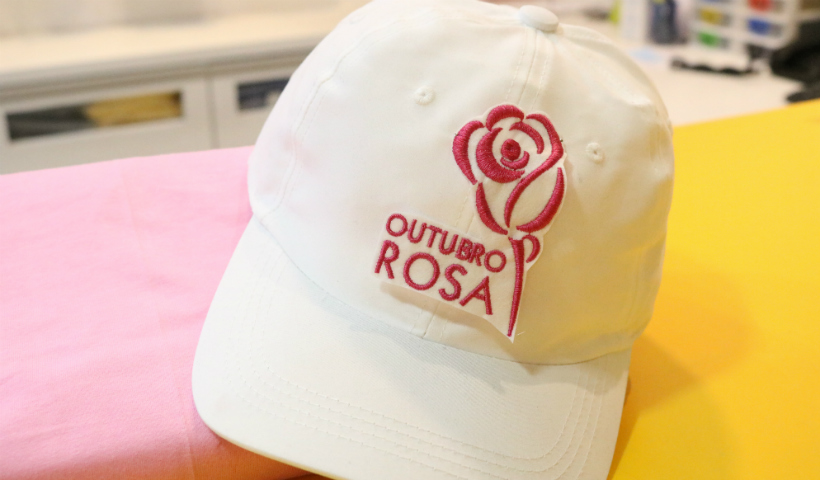 Outubro Rosa é destaque nas vitrines do RioMar