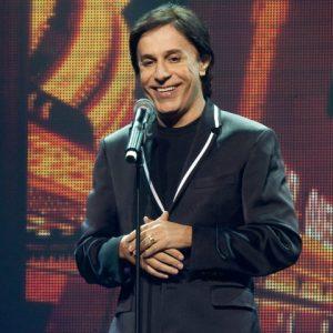 As risadas de Tom Cavalcante no Teatro RioMar