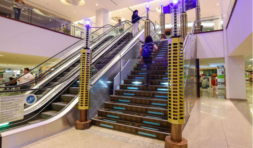 Vídeo: Uma escada divertida e sensorial